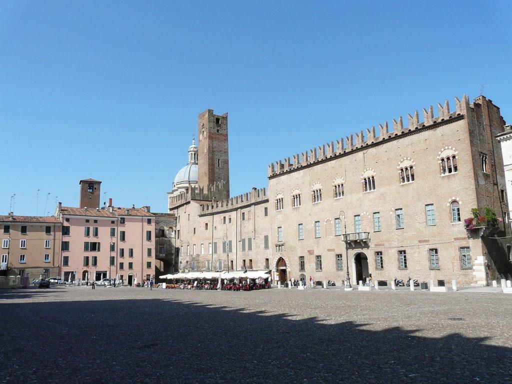 Mantova - Piazza Sordello - Grazie Italia - Claudio Messina - Business a tavola