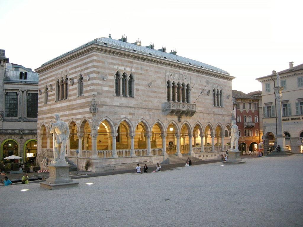 Udine - La Loggia del Lionello - Grazie Italia - Claudio Messina - Business a tavola