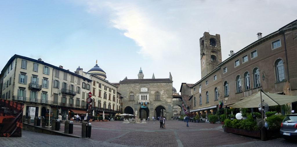 Bergamo – Piazza Vecchia – Grazie Italia – Business a tavola – Claudio Messina