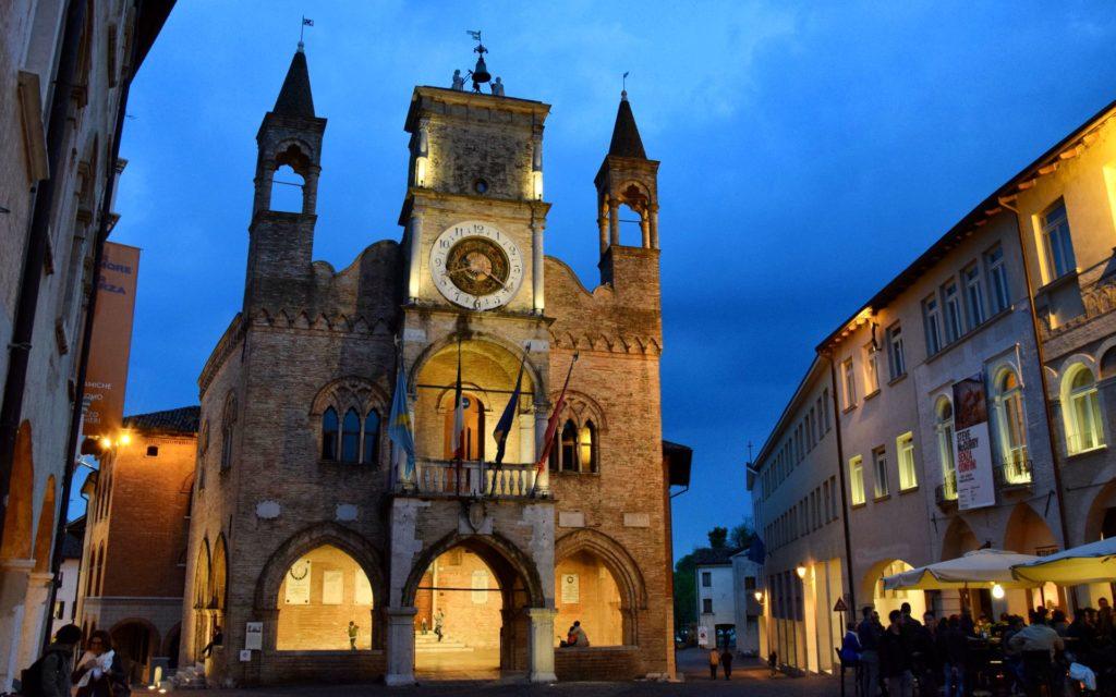 Pordenone – Palazzo Comunale – Grazie Italia – Business a tavola – Claudio Messina