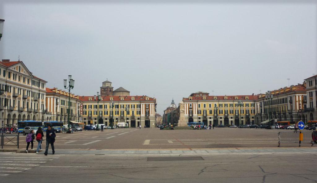 Cuneo – Piazza Galimberti – Grazie Italia – Business a tavola – Claudio Messina