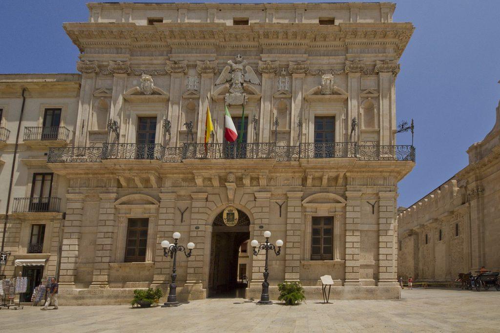 Siracusa – Il palazzo del Senato di Siracusa – Grazie Italia – Business a tavola – Claudio Messina